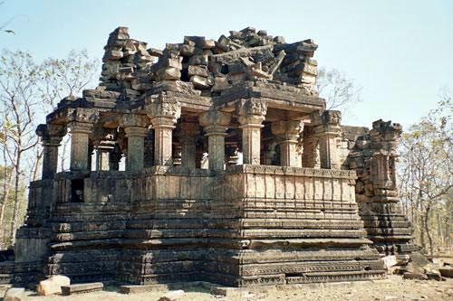 Ajaigarh-Fort-Bundelkhand-2.jpg (500×333)