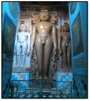 (श्री अहारजी क्षेत्र पर शांतिनाथ, कुंथुनाथ एवं अरहनाथ की प्रतिमाएं। साभार: जैन तीर्थ.कॉम)