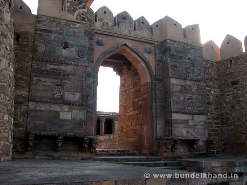 Kalinjar Fort Gate1